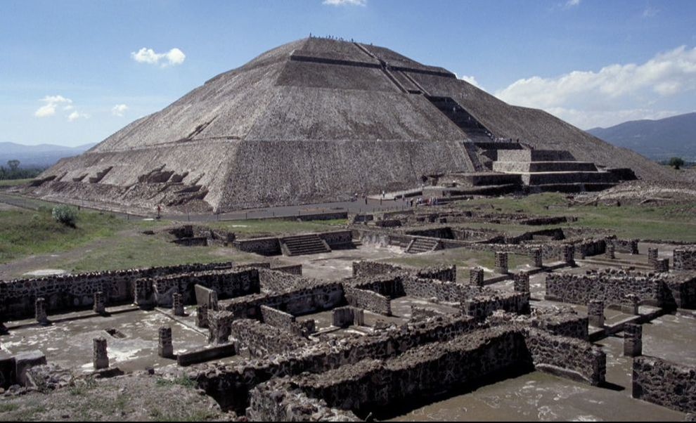 Pyramid of the Sun at Teotihuacan (By Allan T. Kohl)